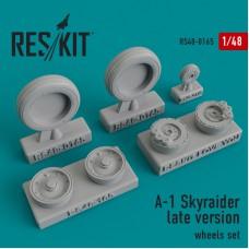 A-1 Skyraider late version  смоляные колеса (1/48)