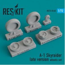 A-1 Skyraider late version  смоляные колеса (1/72)