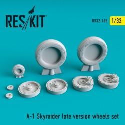 A-1 Skyraider late version смоляные колеса (1/32)